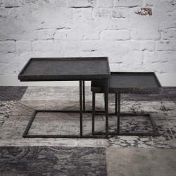 Tables gigognes carrées en métal
