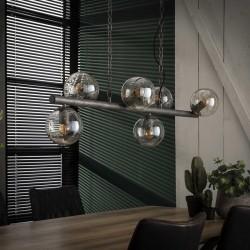 Suspension six abat-jours en verre supportés par une structure en métal de style industriel rétro