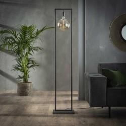Lampadaire d'intérieur une ampoule suspendue dans une structure en fer rectangulaire de style industriel et rétro
