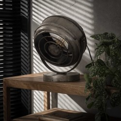 Lampe de table spot monté sur un pied rond en métal argent ancien de style industriel