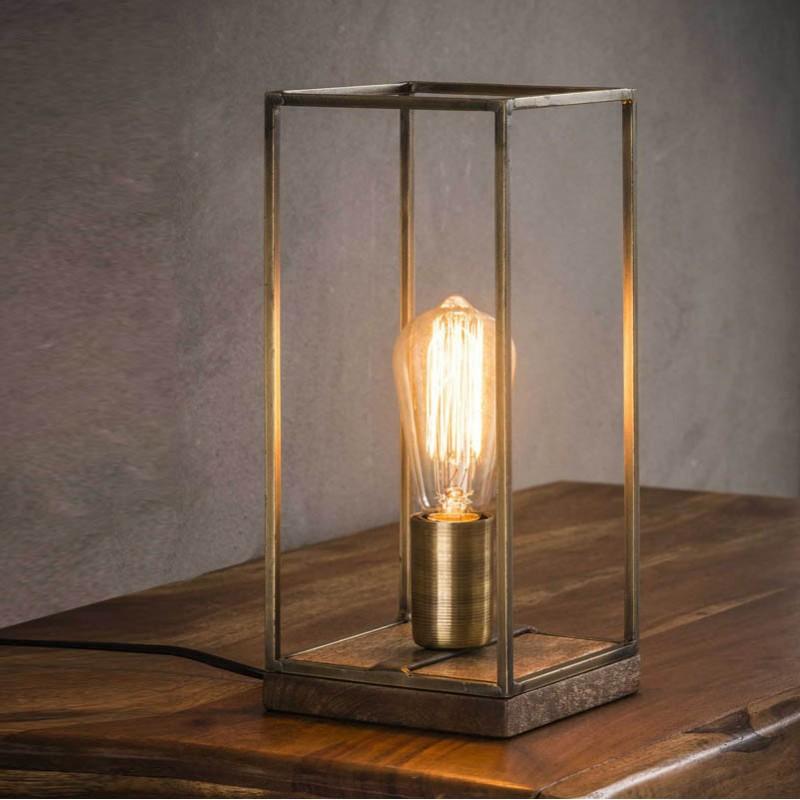 Lampe de table une ampoule dans une structure rectangulaire en tiges de métal de style industriel