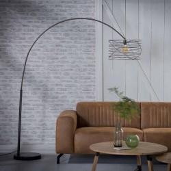 Lampadaire avec abat-jour cylindrique en bandes de métal assemblées en spirale style industriel