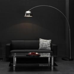 Lampadaire d'intérieur un abat-jour en métal rond suspendu à un pied en métal de style industriel