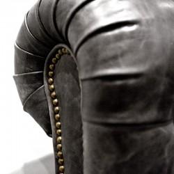 Fauteuil design en cuir Chesterfield