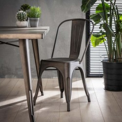 Lot 2 Chaises design en métal style industriel vintage